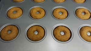 Doughnuts are cooling for 10 minutes before they get sparkly.